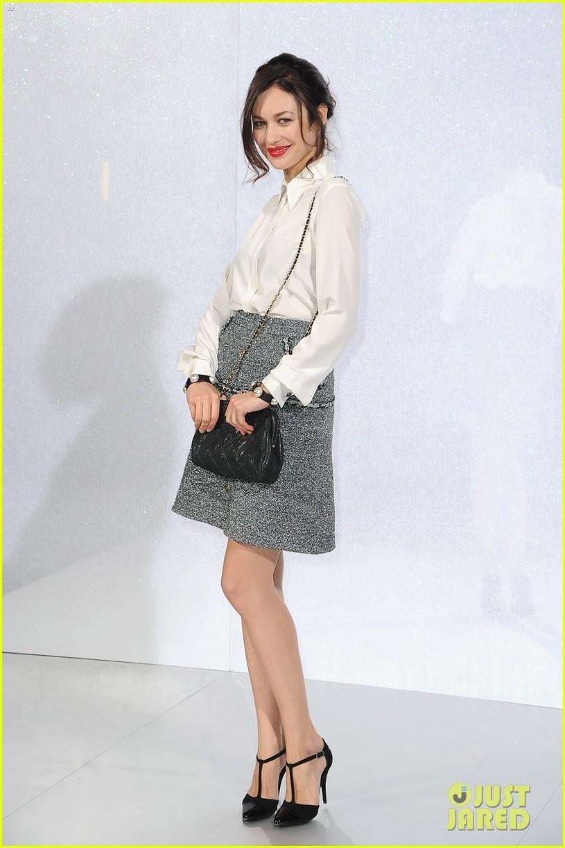 cara delevingne tilda swinton chanel paris fashion show 043036954