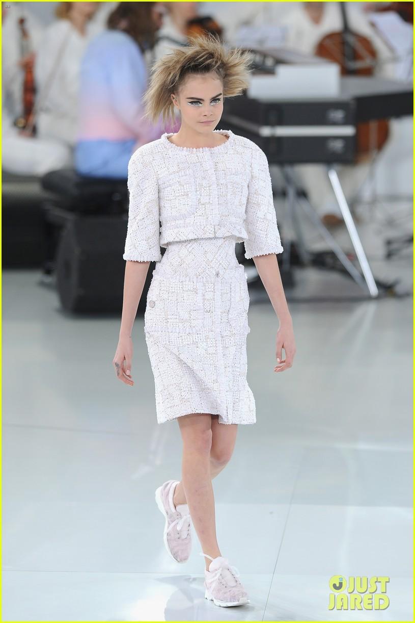 cara delevingne tilda swinton chanel paris fashion show 113036961