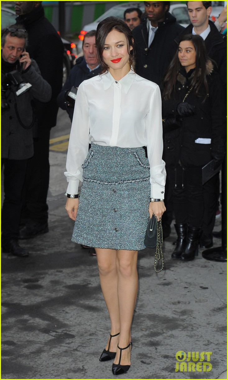 cara delevingne tilda swinton chanel paris fashion show 223036972