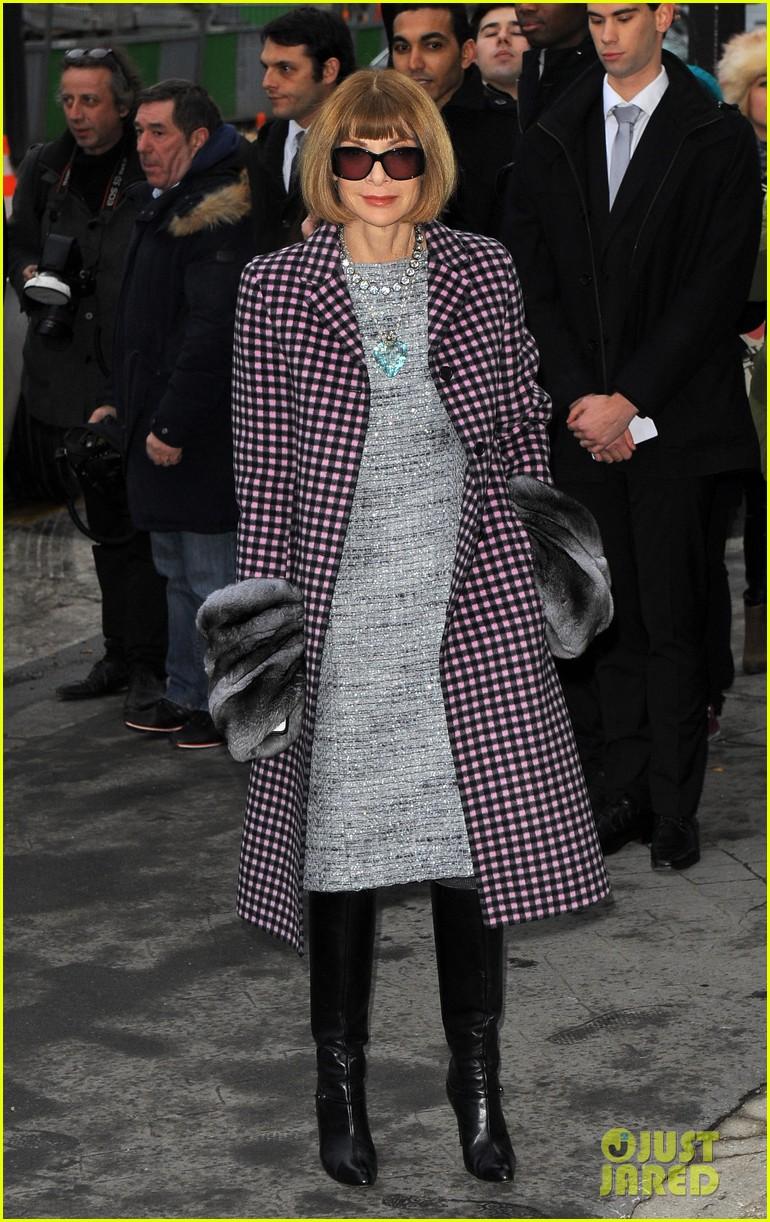 cara delevingne tilda swinton chanel paris fashion show 263036976