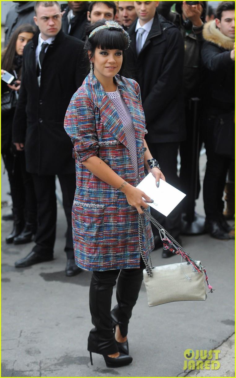 cara delevingne tilda swinton chanel paris fashion show 283036978