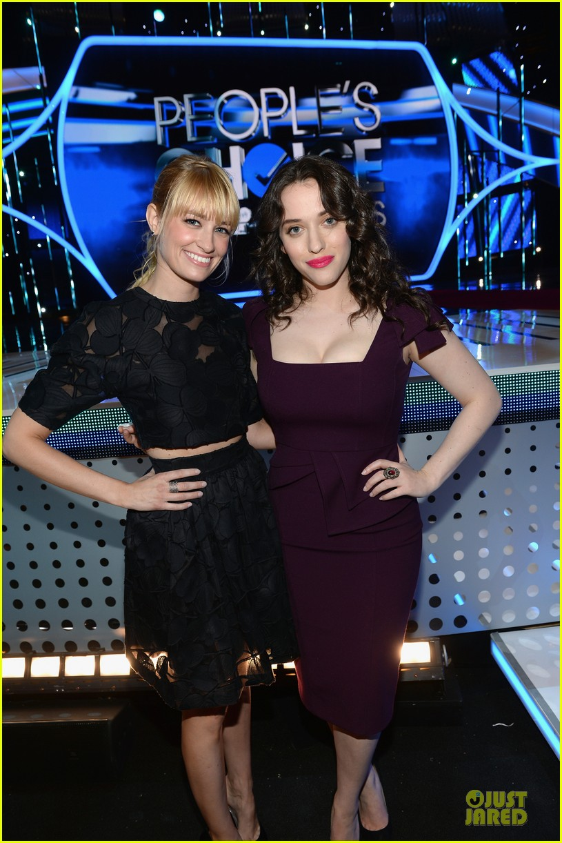 kat dennings beth behrs people choice awards press day 063024139