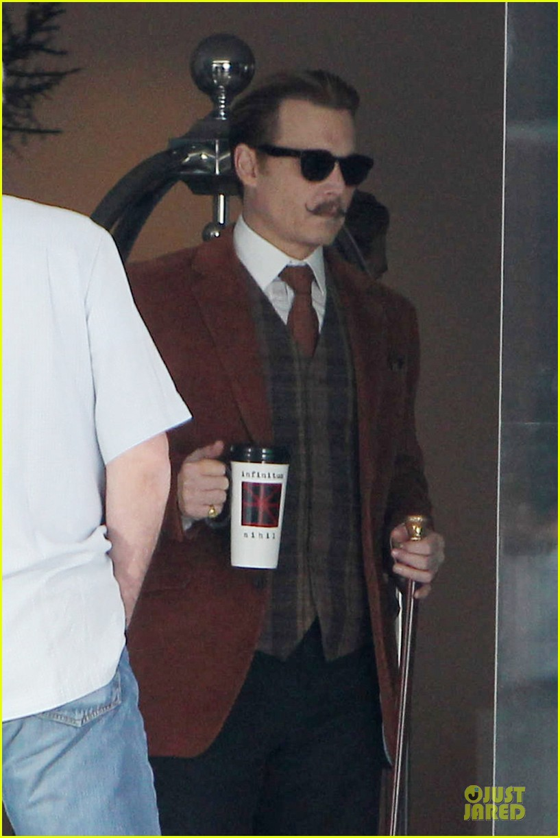 johnny depp mortdecai set with bikini clad babes 073024199