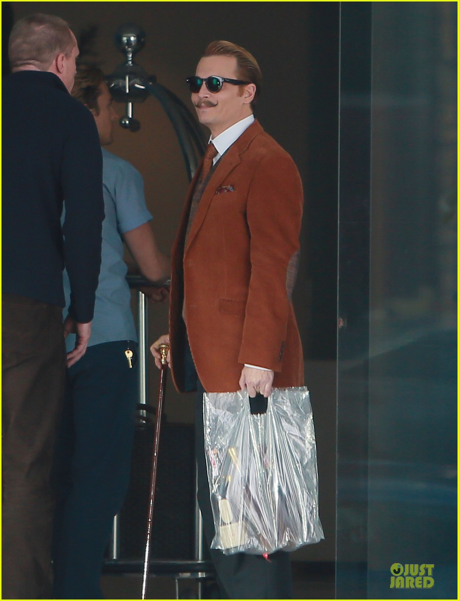 johnny depp mortdecai set with bikini clad babes 133024205