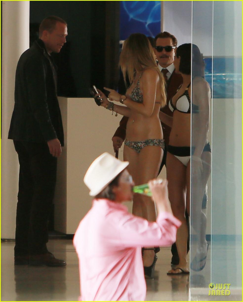 johnny depp mortdecai set with bikini clad babes 153024207