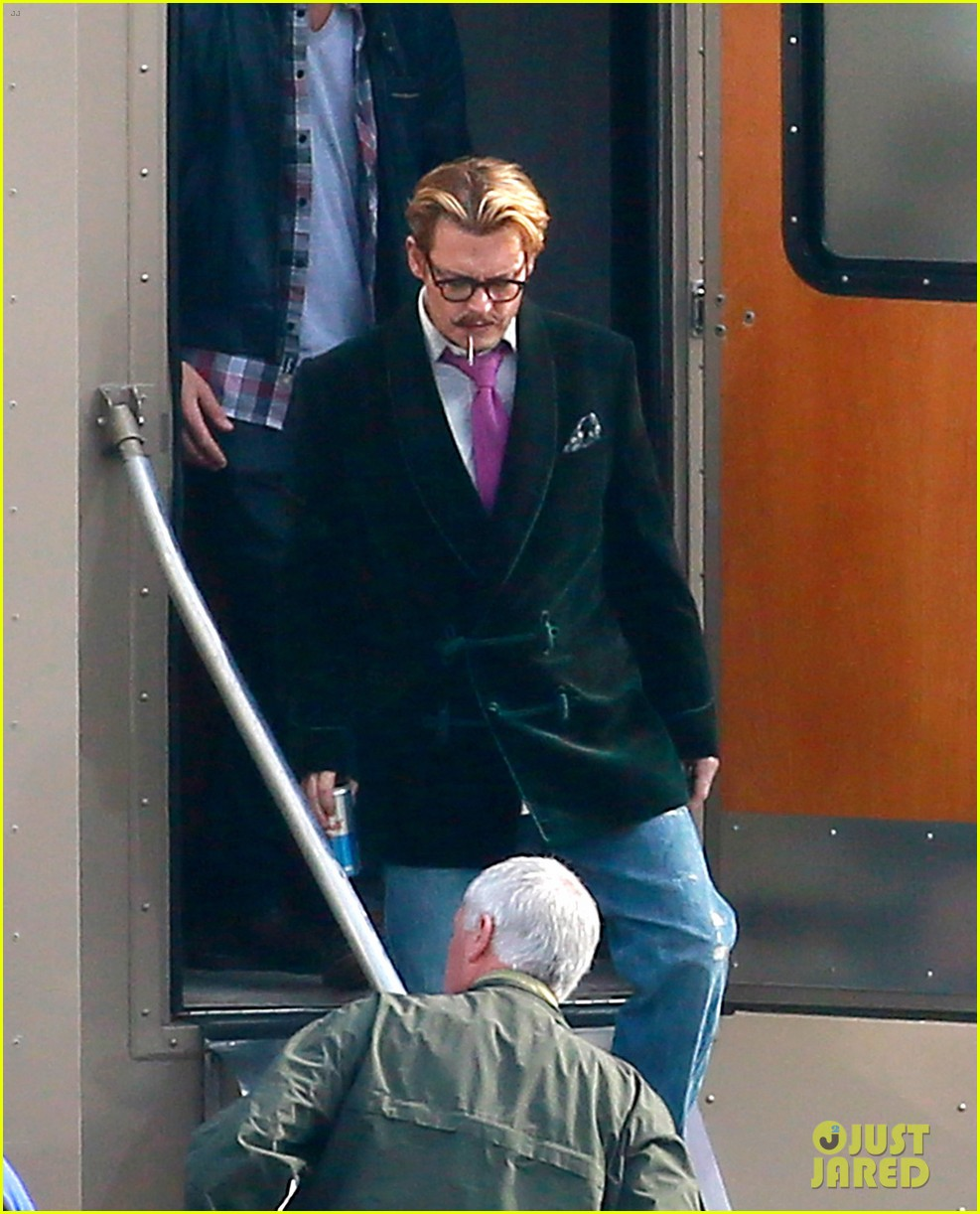 johnny depp aubrey plaza joins mortdecai cast 043026492