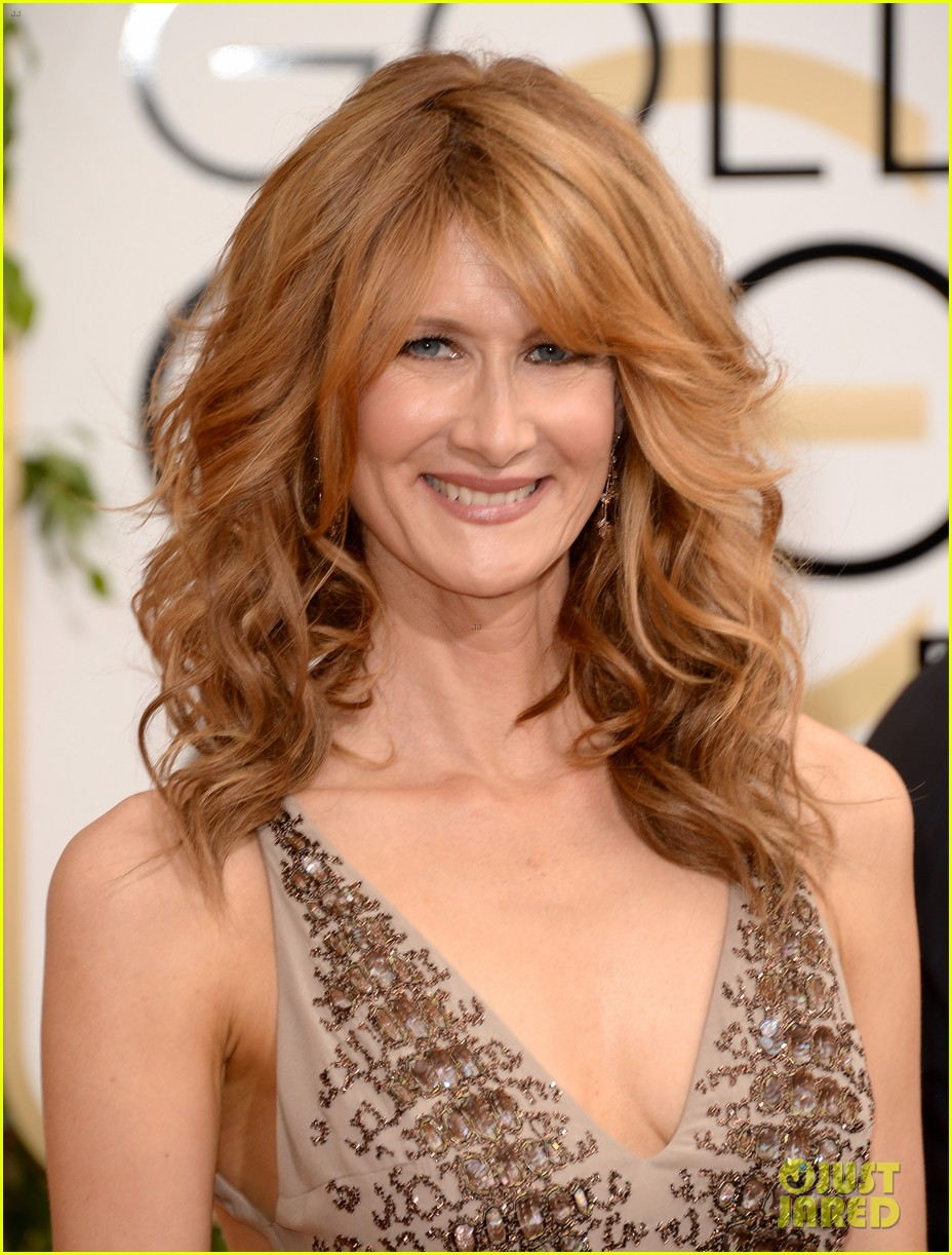 laura dern golden globes 2014 red carpet 013029490