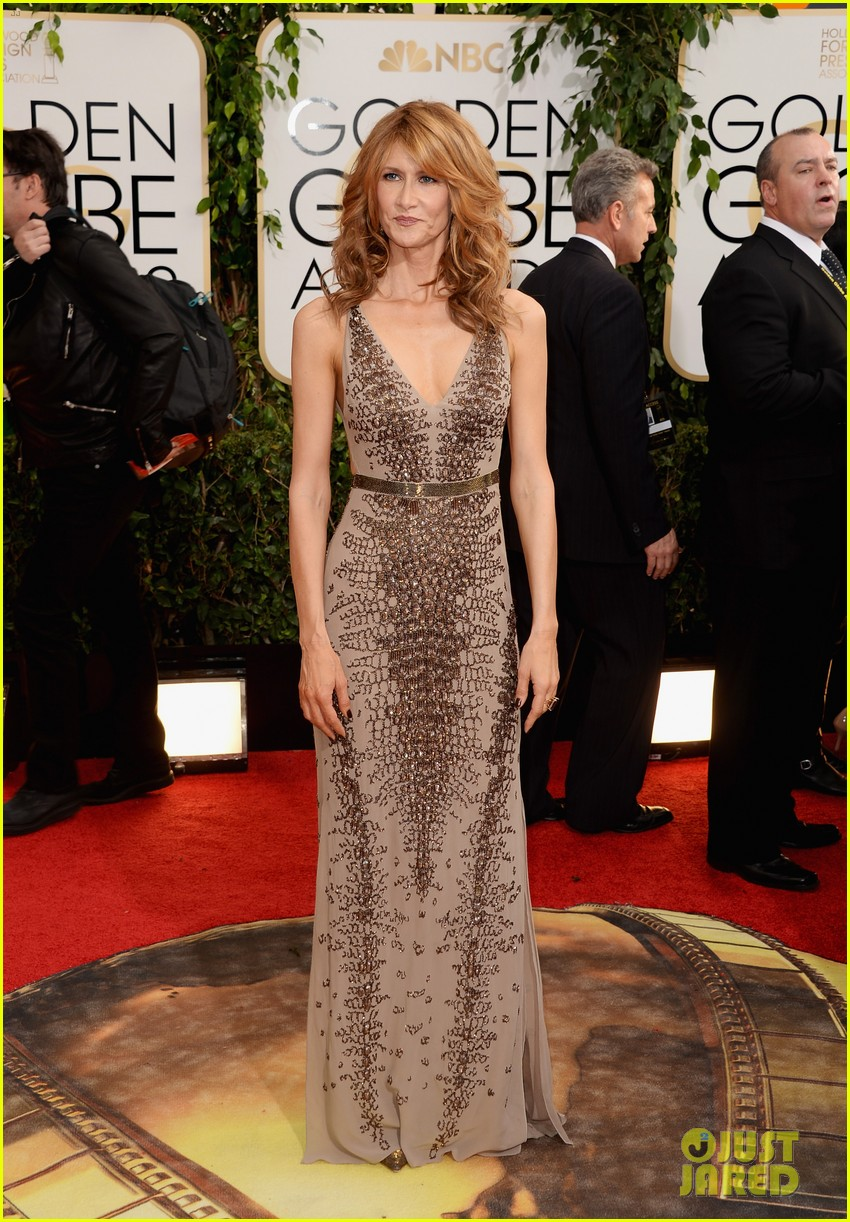 laura dern golden globes 2014 red carpet 023029735