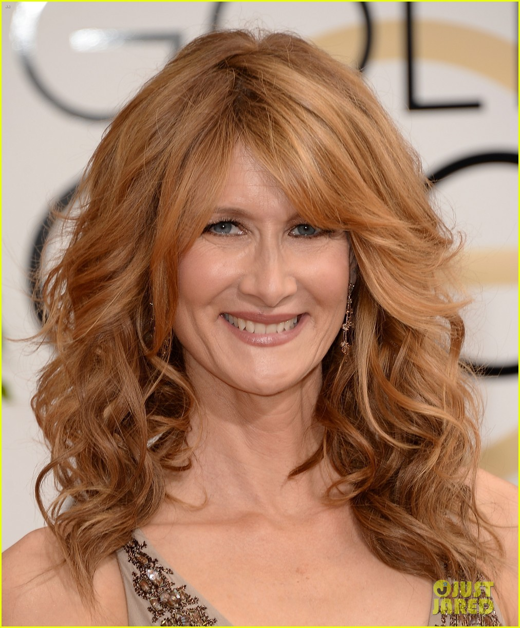 laura dern golden globes 2014 red carpet 033029492