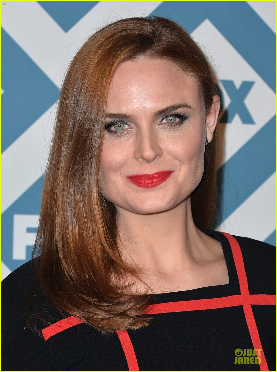 Emily Deschanel Young Zooey-emily-deschanel-fox- ...