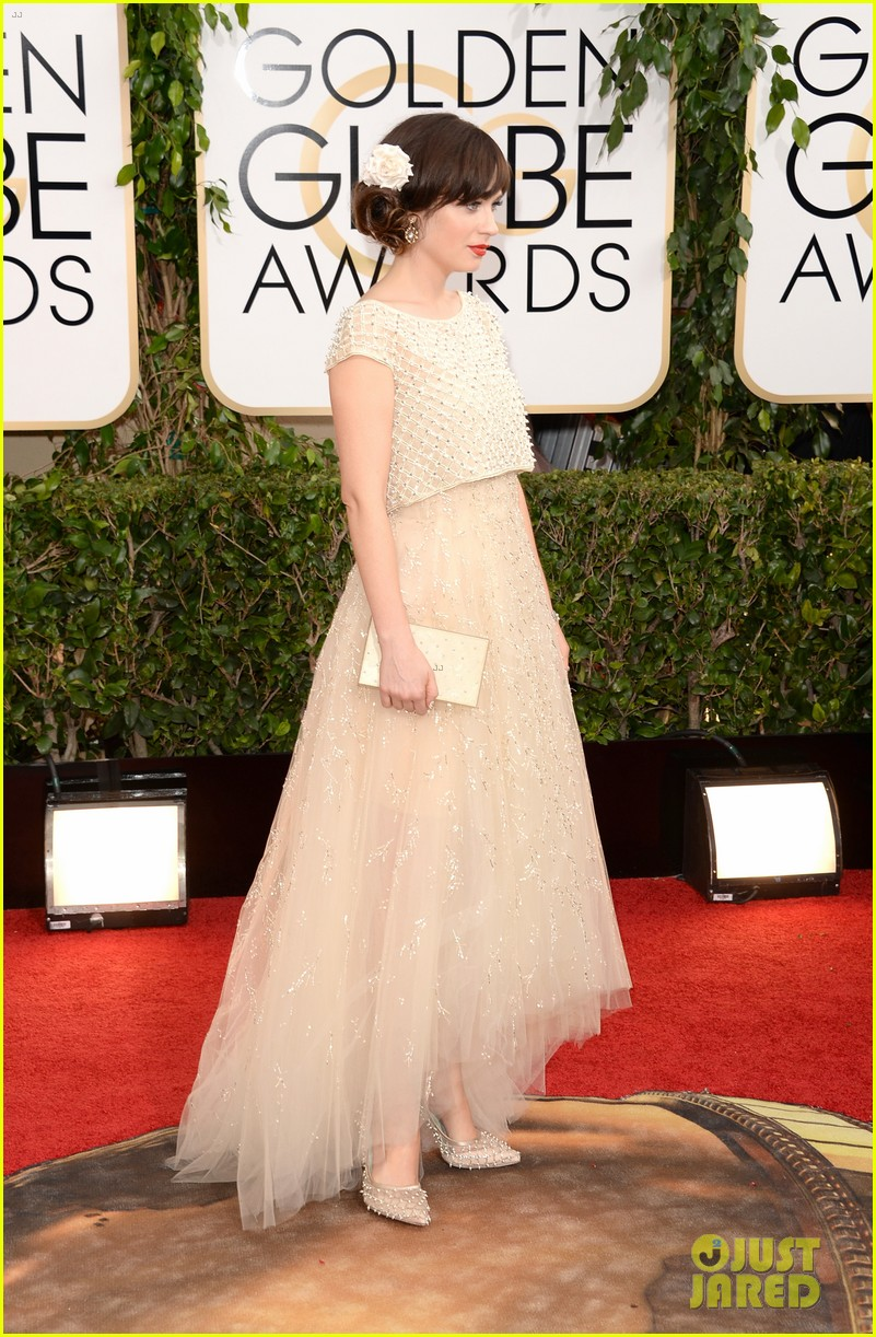 zooey deschanel golden globes 2014 red carpet 053029101