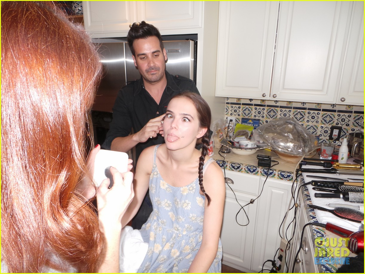 zoey deutch jj spotlight of the week behind the scenes pics 063037114