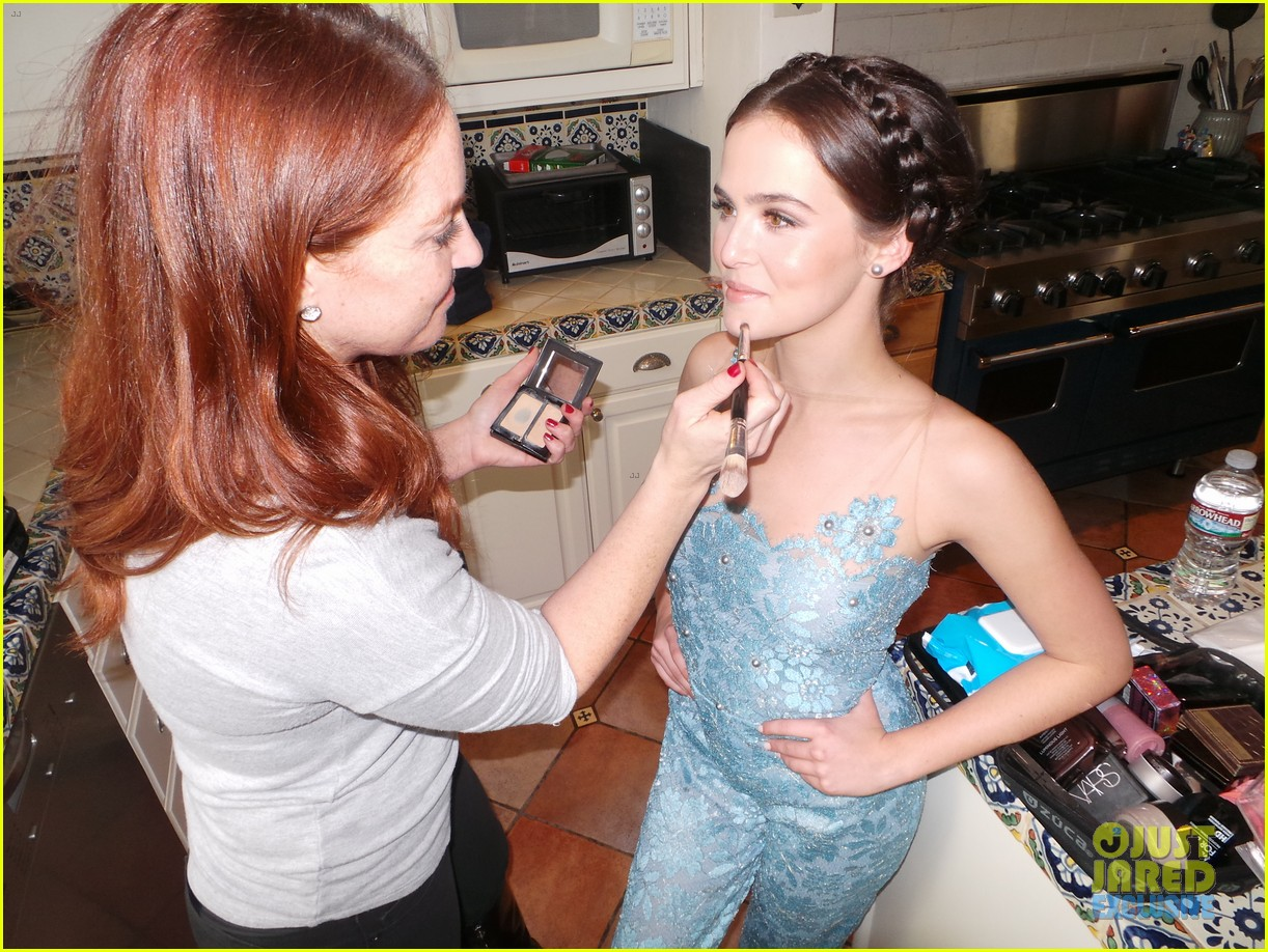 zoey deutch jj spotlight of the week behind the scenes pics 113037119