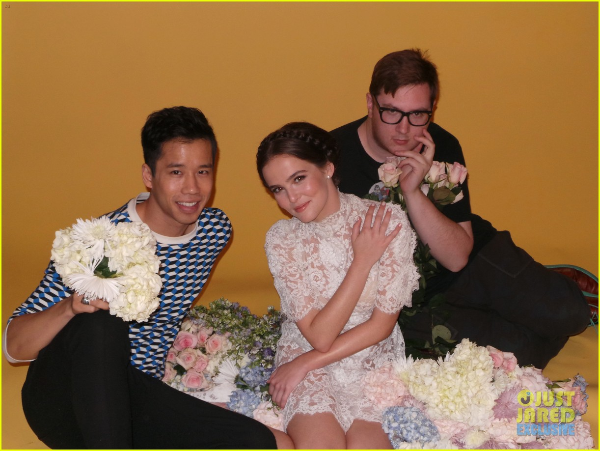 zoey deutch jj spotlight of the week behind the scenes pics 213037129