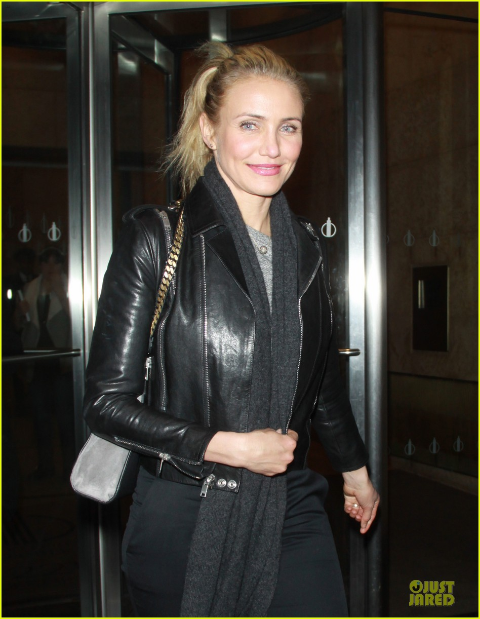 cameron diaz joins facebook 043027560