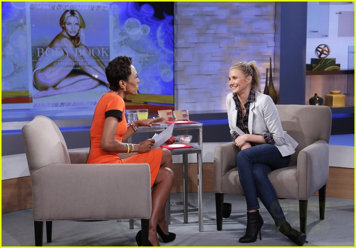 cameron diaz lena dunham meet at good morning america 013023884