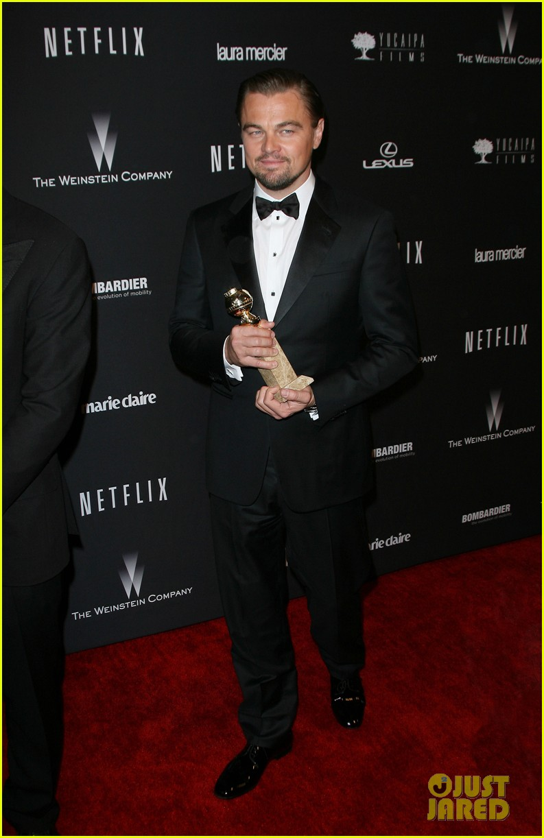 leonardo dicaprio shows off golden globe at weinstein party 023029826