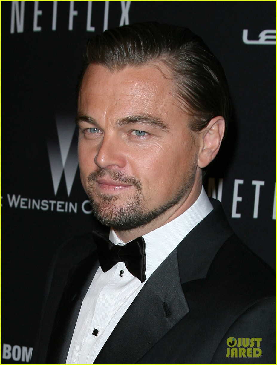 leonardo dicaprio shows off golden globe at weinstein party 113029835