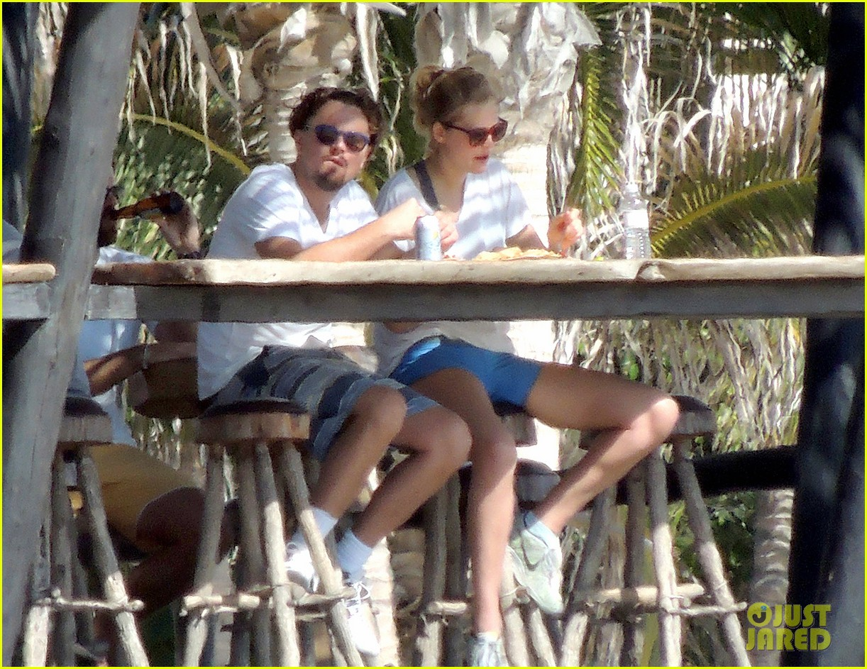 leonardo dicaprio starts the new year with girlfriend toni garrn 013021652
