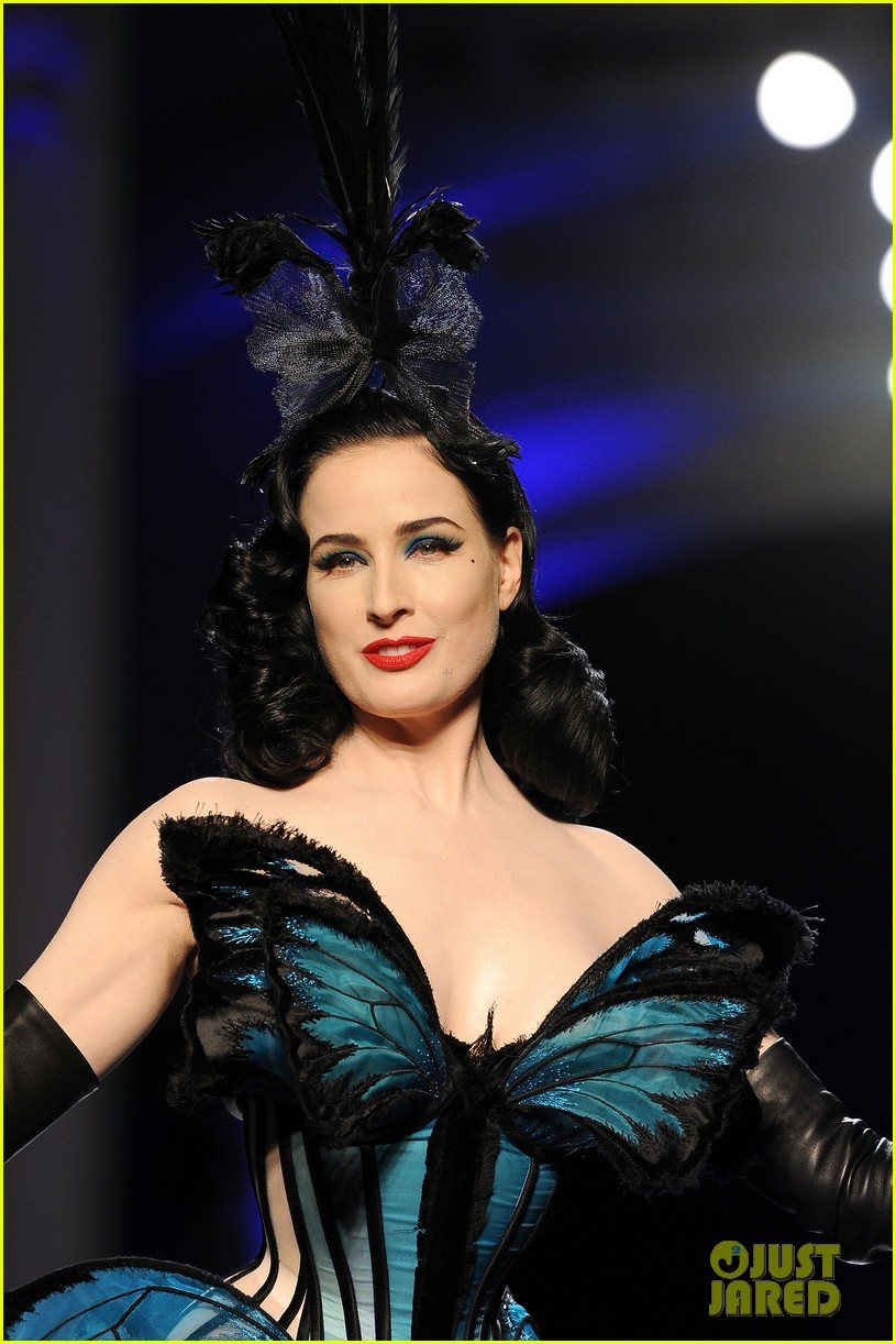 dita von teese hits runway for john paul gaultier show 043037767