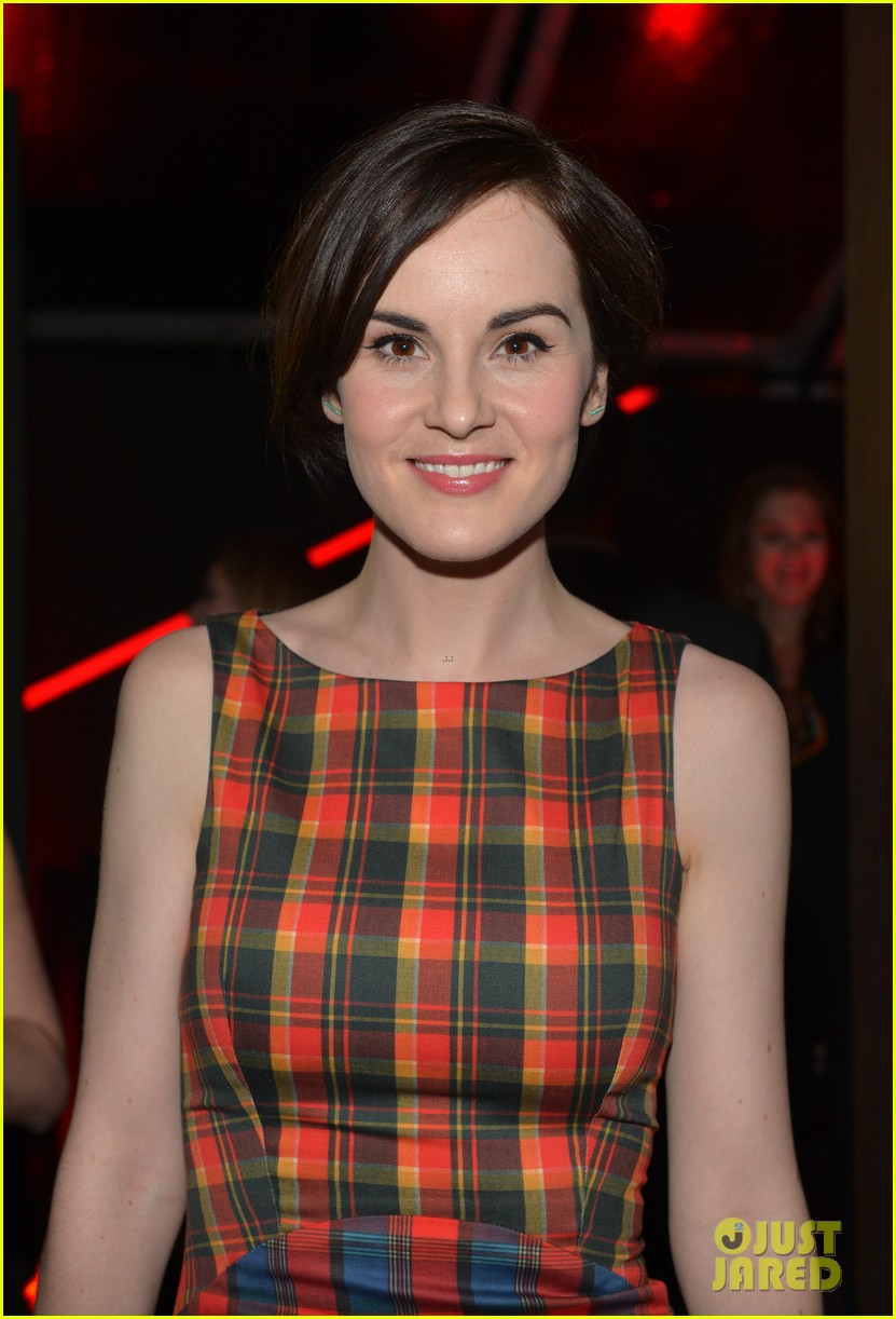 michelle dockery elisabeth moss audis golden globes party 21