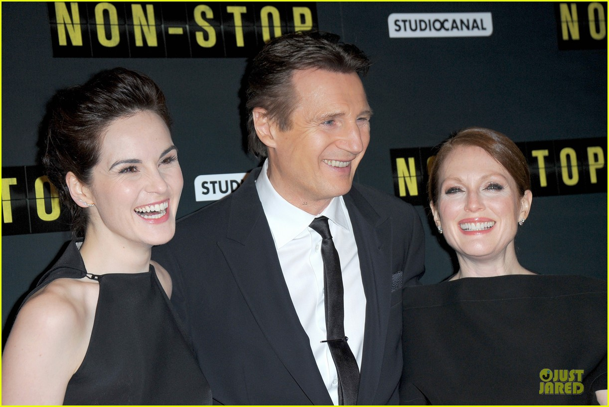 michelle dockery julianne moore non stop paris premiere 02