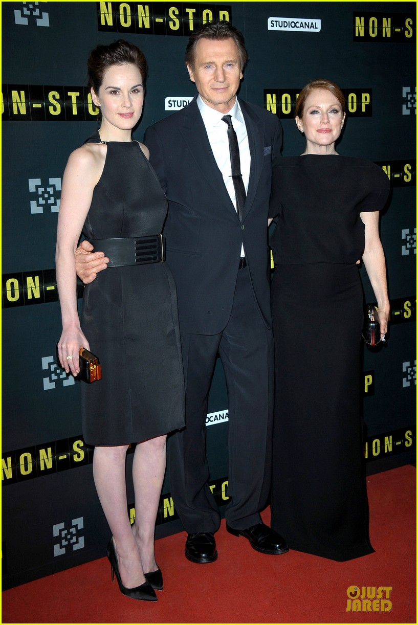 michelle dockery julianne moore non stop paris premiere 073042338