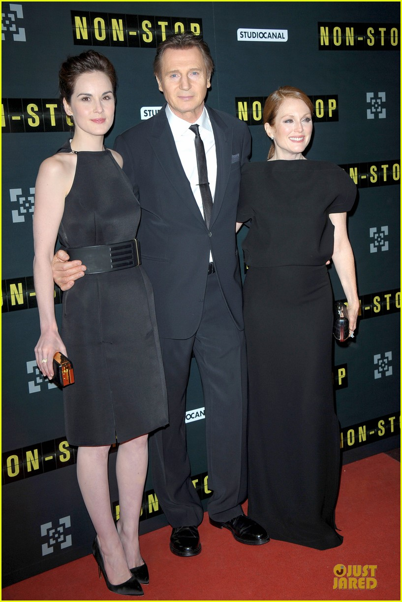 michelle dockery julianne moore non stop paris premiere 093042340