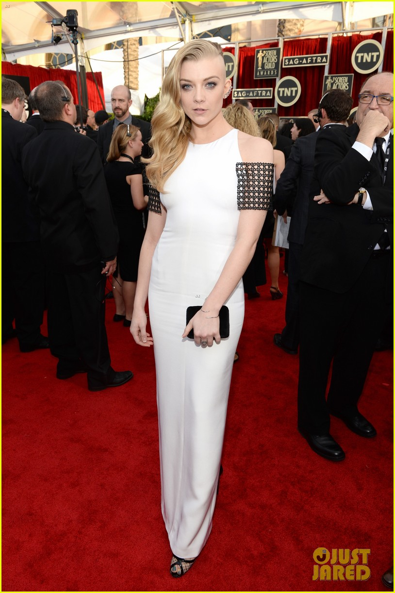 natalie dormer debuts half shaved head at sag awards 2014 03