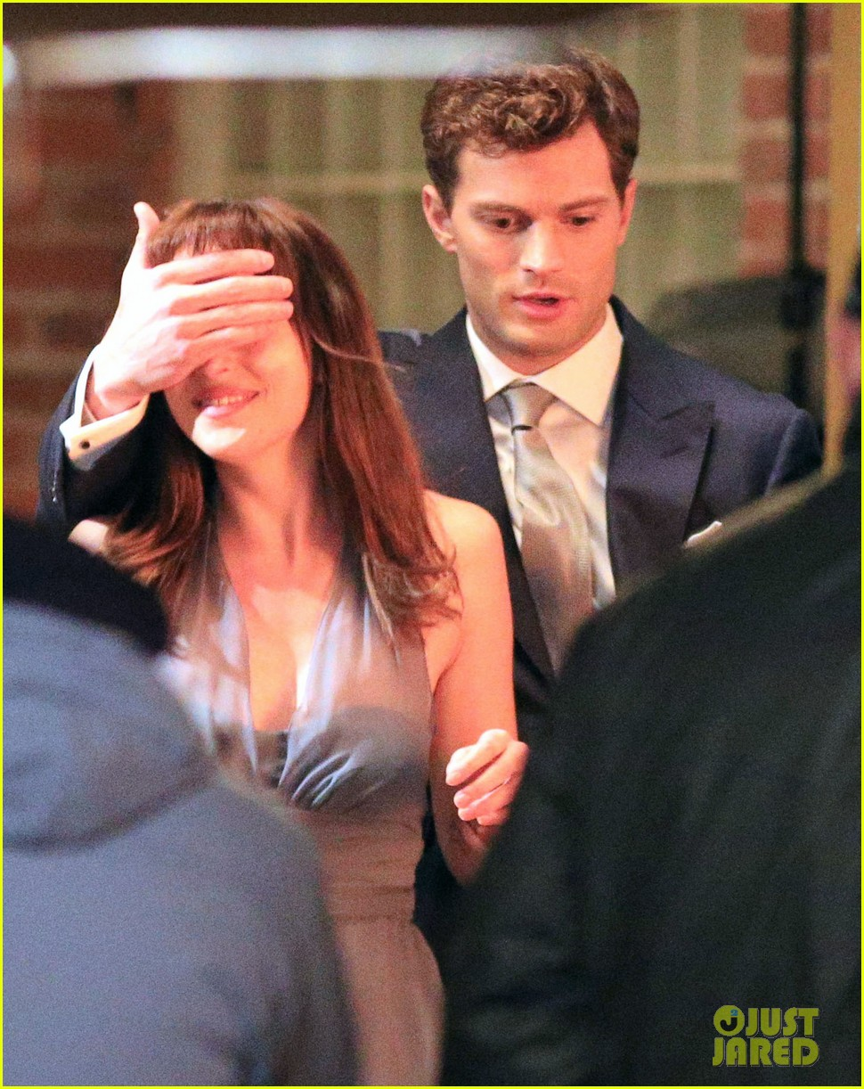 jamie dornan dakota johnson anastasia gets her new car 253033338