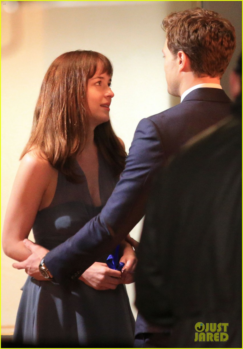 jamie dornan dakota johnson anastasia gets her new car 293033342