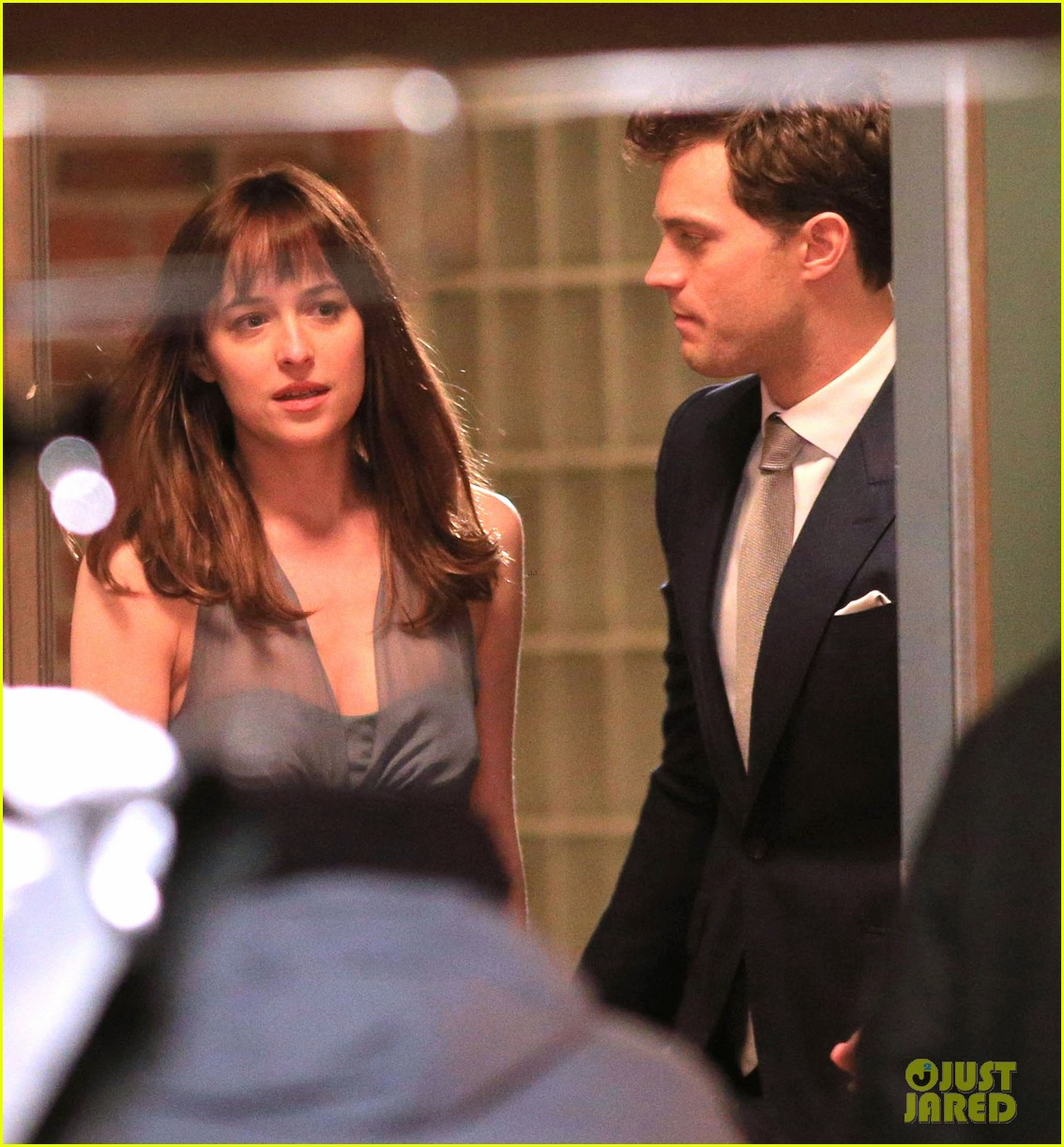 jamie dornan dakota johnson anastasia gets her new car 30