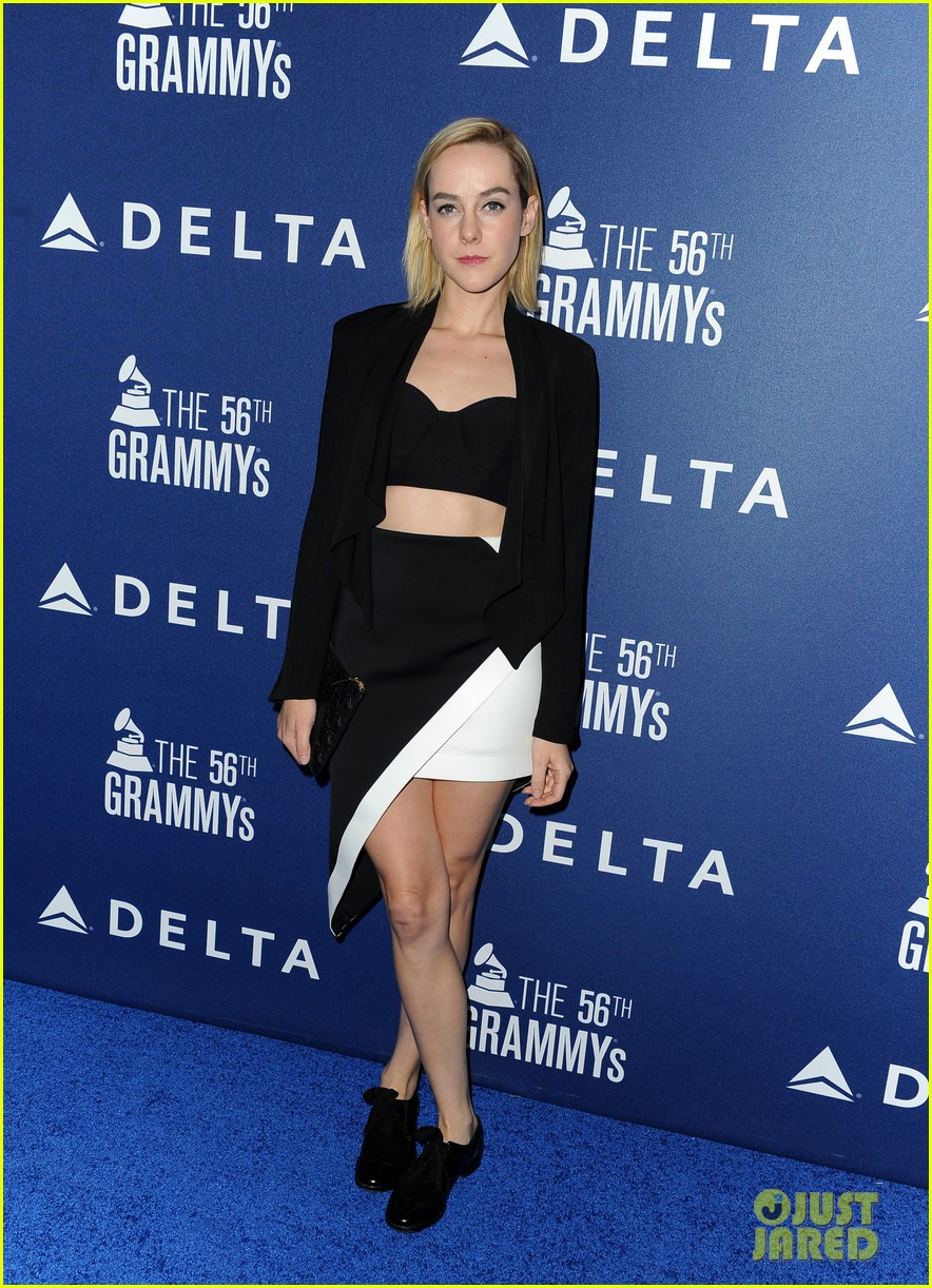 hilary duff julianne hough delta airlines pre grammy party 013039099