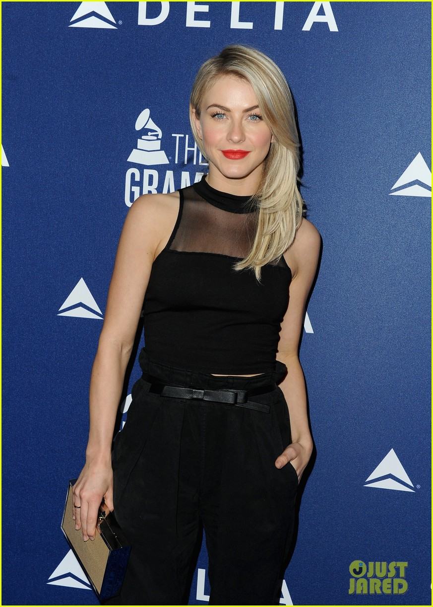 hilary duff julianne hough delta airlines pre grammy party 063039104