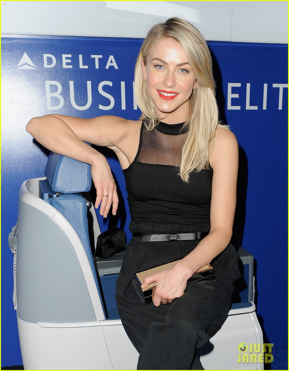 hilary duff julianne hough delta airlines pre grammy party 083039106