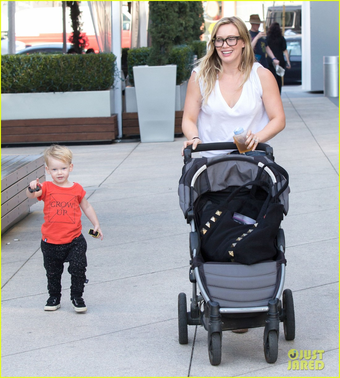 hilary duff gets lunch with luca after fancy new years eve 013021799