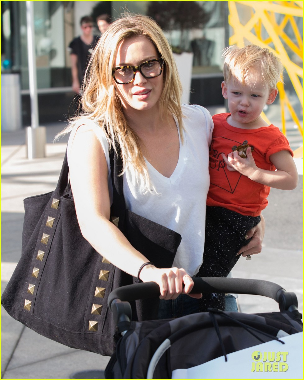 hilary duff gets lunch with luca after fancy new years eve 033021801