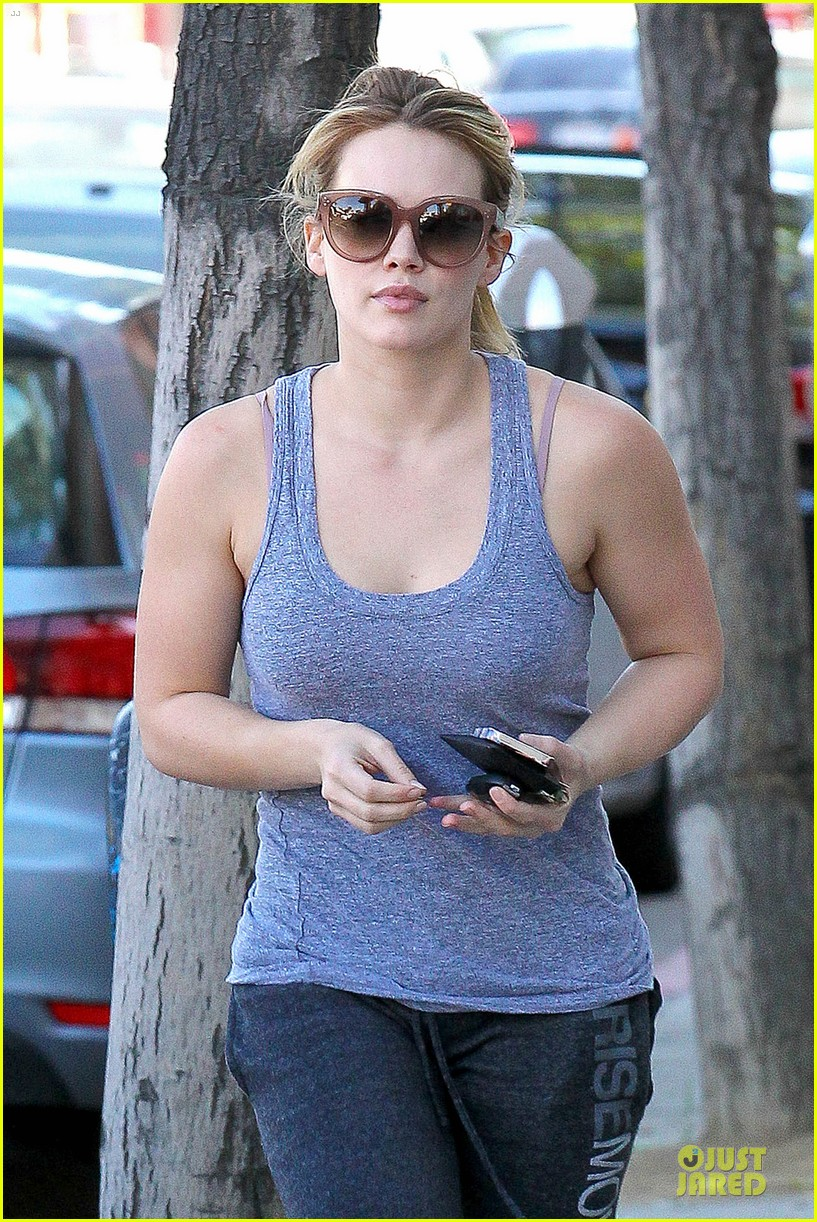 hilary duff weekend flea market stop with luca 06