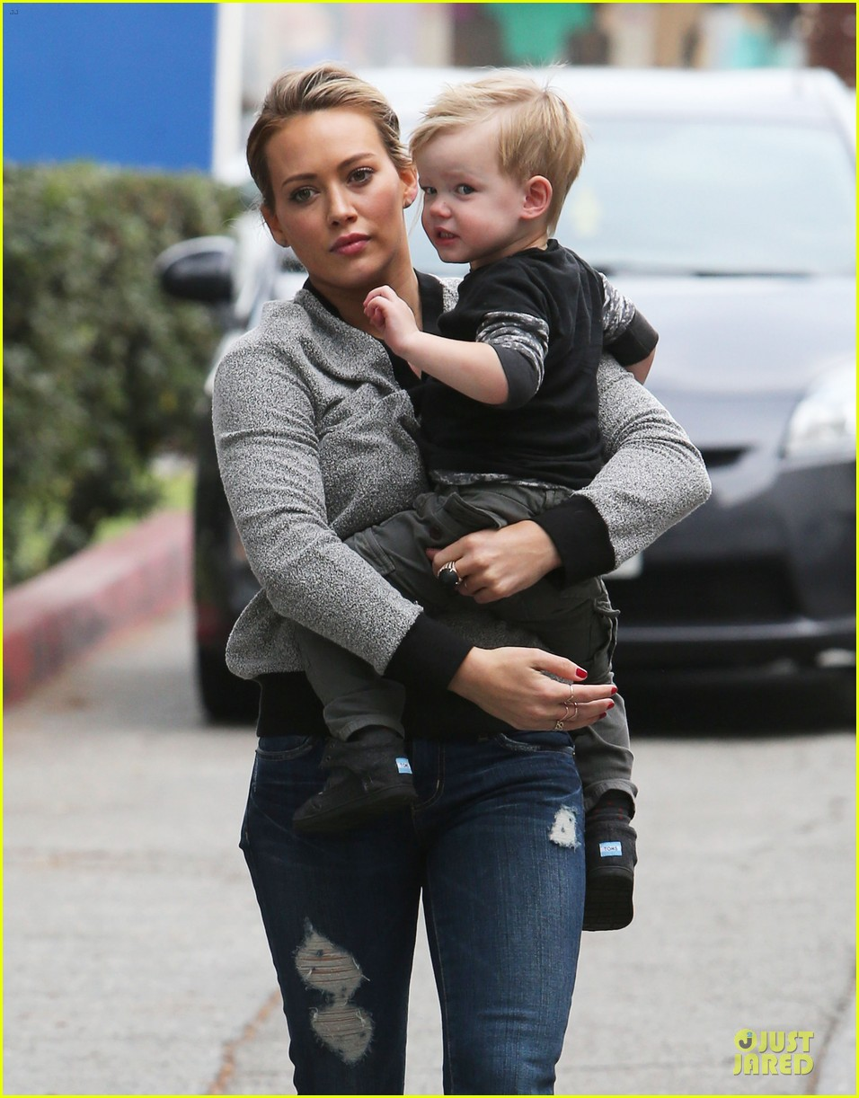 hilary duff weekend flea market stop with luca 193041796