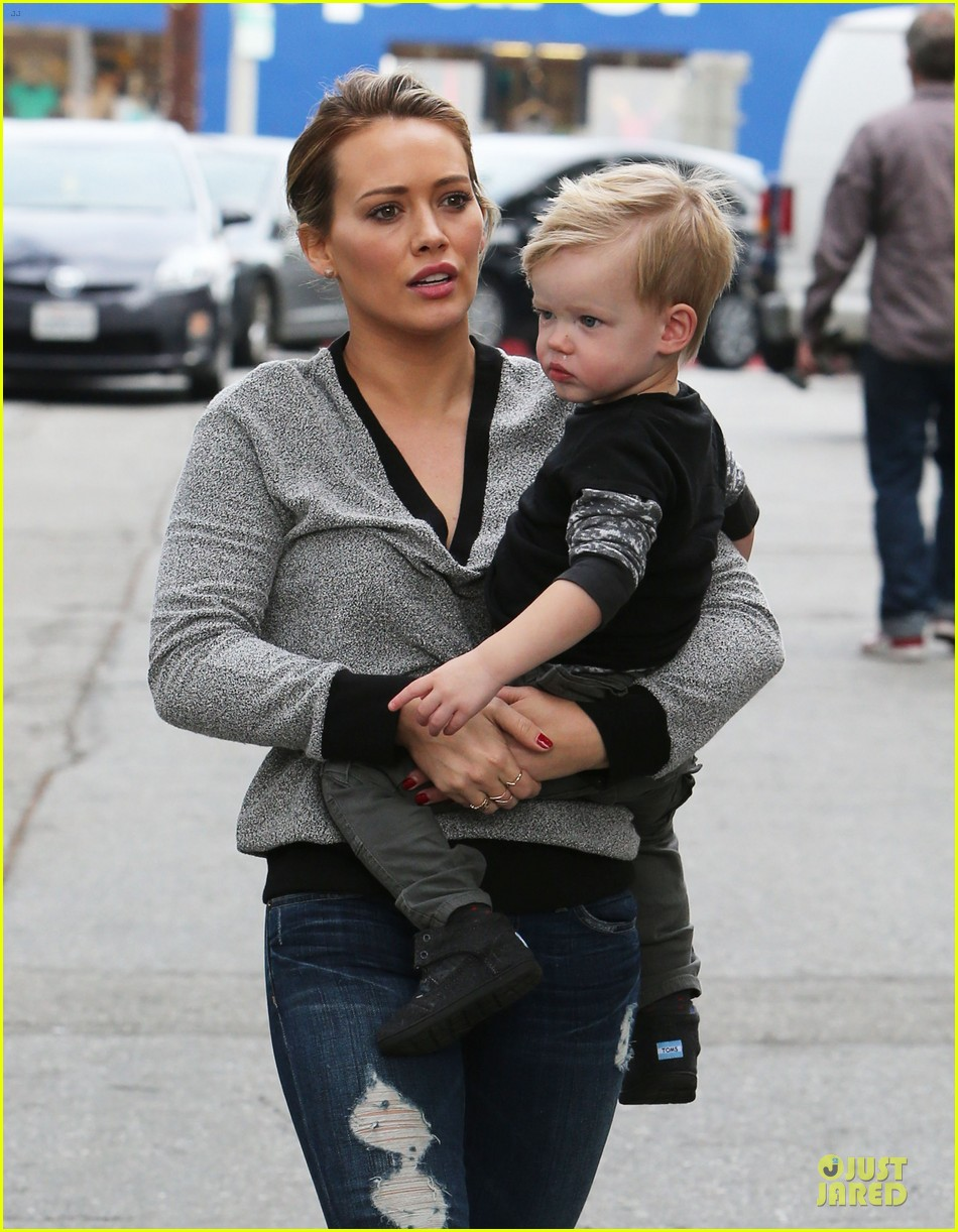 hilary duff weekend flea market stop with luca 233041800