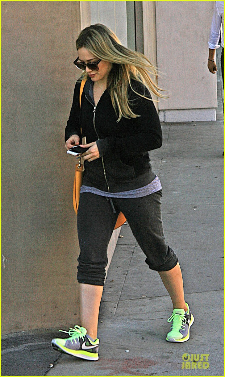hilary duff late night studio session working on hurts 183025153