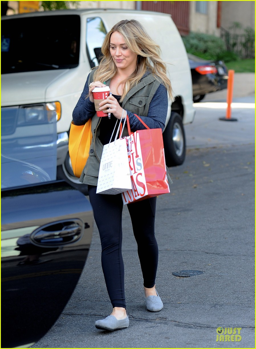 hilary duff park date with luca after hair appointment 093022412