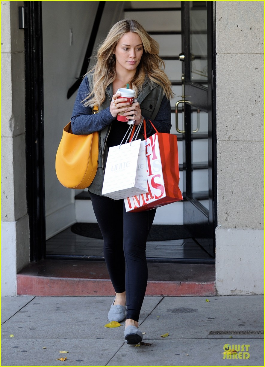 hilary duff park date with luca after hair appointment 113022414