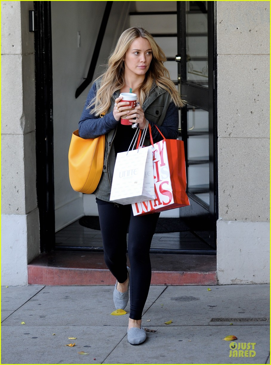 hilary duff park date with luca after hair appointment 123022415