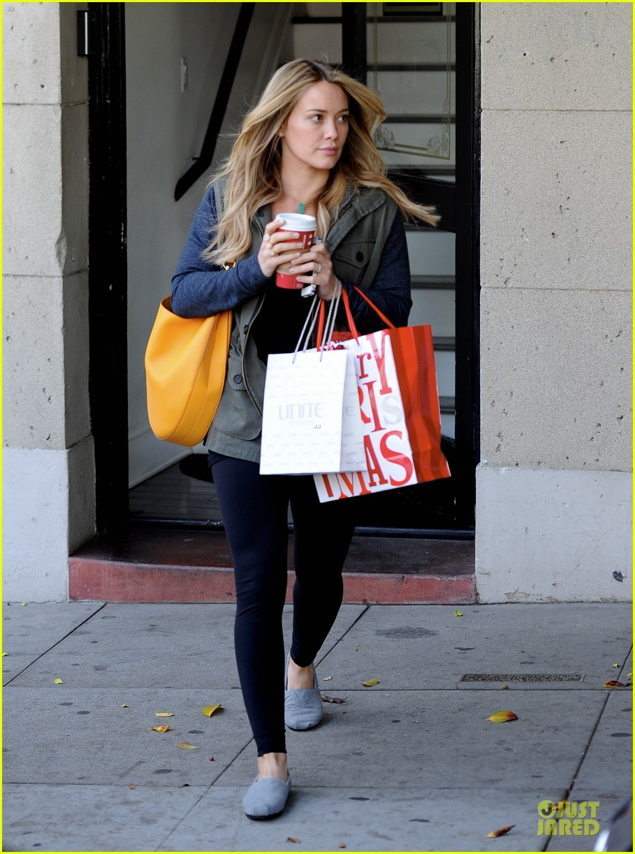 hilary duff park date with luca after hair appointment 153022418