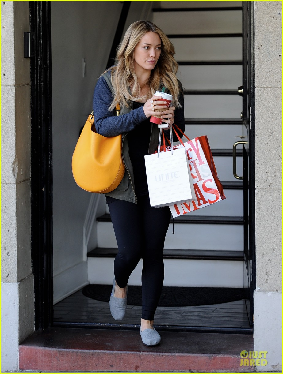 hilary duff park date with luca after hair appointment 163022419