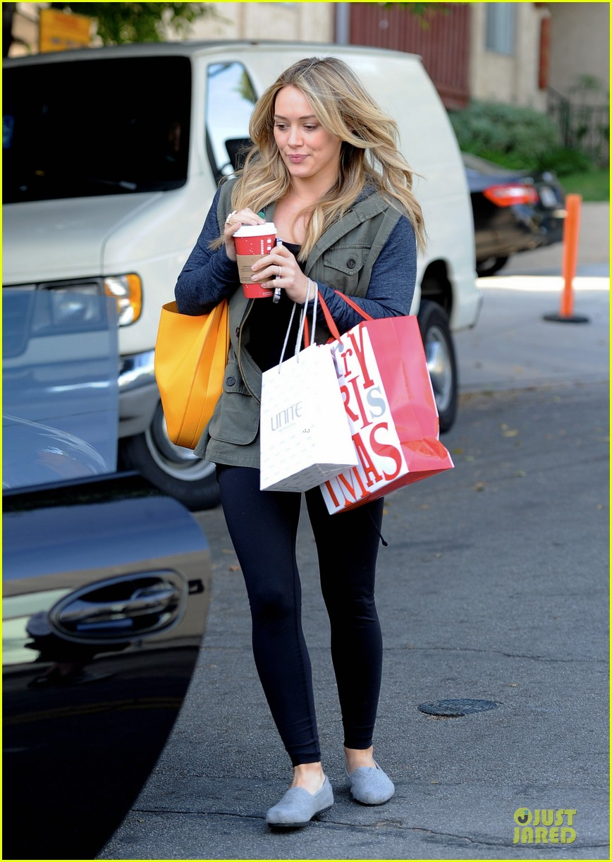 hilary duff park date with luca after hair appointment 203022423