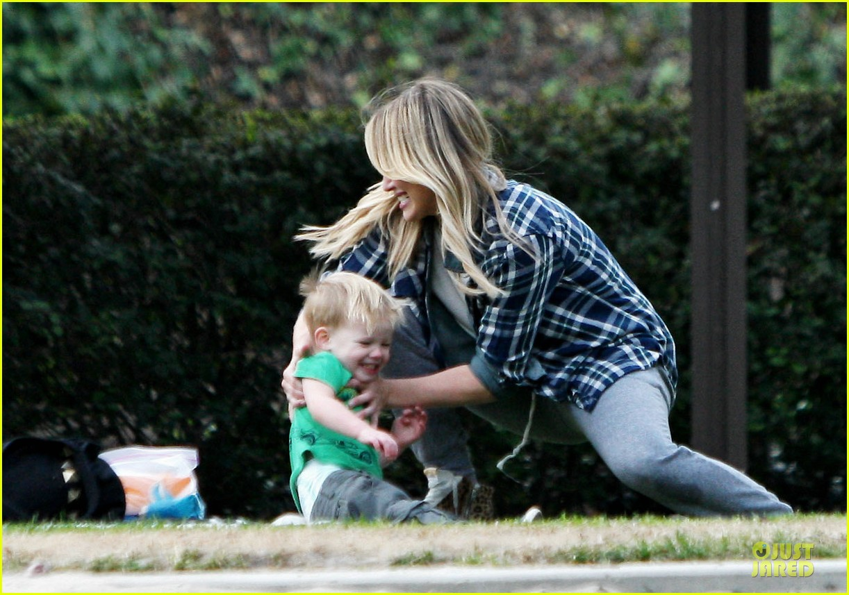 hilary duff park date with luca after hair appointment 223022425
