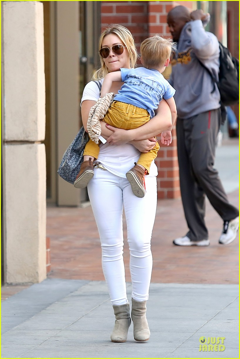 hilary duff its a great universe with luca 033043150