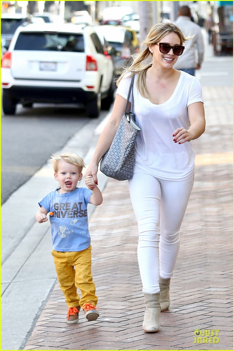 hilary duff its a great universe with luca 06